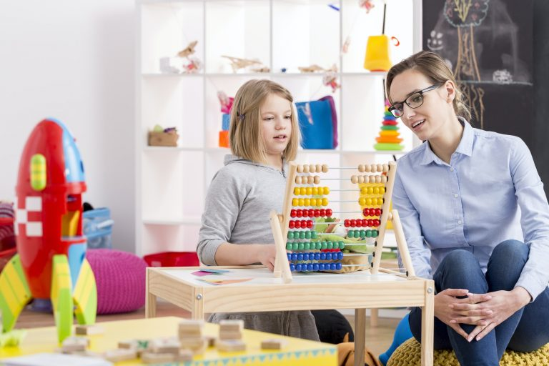 dieťa, psychológ, autizmus, aspergerov syndróm, diagnostika autizmu