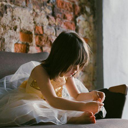 beautiful-child-curiosity-698924